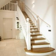 Houten trappen venema trappen uw houten trap op maat for Houten trappen op maat gemaakt